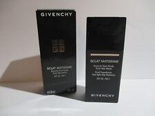 Givenchy Eclat Matissime Fluid Foundation SPF 20 - Nr. 2 Mat Shell 30ml