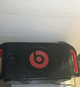 Beats by Dr. Dre Beatbox Portable Bluetooth Speaker with iPhone Dock Black Used