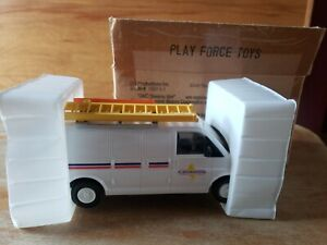 DG PRODUCTIONS Playforce Toys 1997-1-1 GMC Savana Van  Battery Op NEW IN BOX