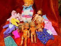 lot=microbes et  des mini poupées=5= maison de poupées  et vétements