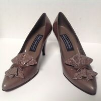 Stewart Weitzman Size 7.5 AA Gray Snake Embossed Bow Made in Spain Leather