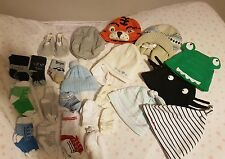 bundle of babys hats mits & socks age 0-12 months Great for winter weather