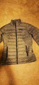 Patagonia Womans Ladies  Size XS nano Puff Coat Primaloft
