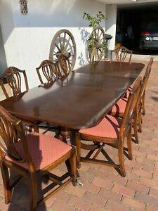 GLENISTER Made in high Wycombe ENGLAND Tisch 8 Stühle Mahagoni Löwe Füsse Messin