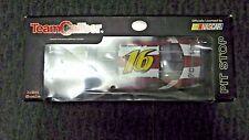 NASCAR NATIONAL GUARD 16 GREG BIFFLE TEAM CALIBER 2005 DIECAST COLLECTIBLE CAR
