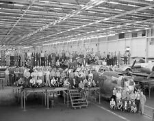 WWII Photo B-24 Liberator Assembly Workers  WW2 / 5034