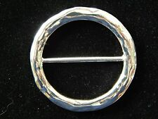 NWT WOMEN'S ROUND SILVER HAMMERED FASHION SCARF RING/CLIP/HOLDER