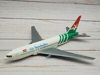 Air Seychelles Boeing 767 Model Scale 1:200 Wooster Hogan Plastic Snap-Fit