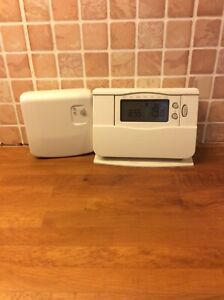 honeywell wireless programmable thermostat, (Center Brand)