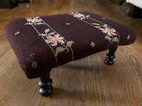 ANTIQUE VINTAGE HANDMADE SPINDLE LEG FOOTSTOOL