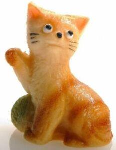 Marzipan Kätzchen mit grünem Wollknäuel 48 g (100 g = 9,38 €)