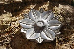 Räucherstäbchenhalter/Kegelständer: Lotusblume aus Speckstein