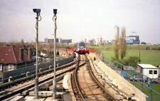 PHOTO  1991 APPROACHING ISLAND GARDENS ON THE DOCKLANDS LIGHT RAILWAY CAR NO 21