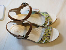 Crocs Leigh II Ankle strap Graphic wedge hazelnut gld standard fit Womens W 9 W9