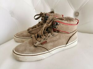Boys skate faux fur insulated Vans high top laced trainers in size UK junior 3