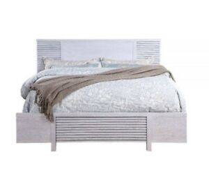 Acme Furniture Aromas Queen Bed In White Oak