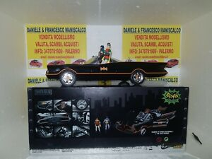 CLASSIC TV SERIES BATMOBILE WITH DIECAST FIGURES AND LIGHTS EFFECTS 1:18