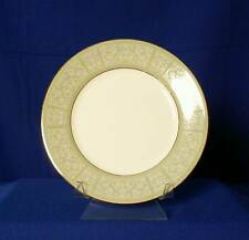 Wedgwood England Kenilworth White Floral Scrolls Salad Plate bfe2393