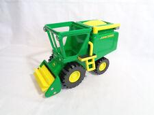 John Deere Farm Tractor Combine Harvester Spinning Thresher Green Yellow