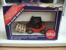 Siku Gabelstapler Fork Lift Truck Linde in Red/Black in Box (Siku nr: 1717)