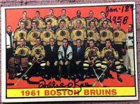*SIGNED* WILLIE O'REE 1961-62 Topps 20 BOSTON BRUINS TEAM INSCRIBED JAN 18, 1958