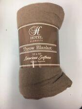 Hotel Elements Luxurious Softness Throw Blanket 50� x 60� Machine Washable Nwt