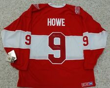 GORDIE HOWE Signed 2014 Winter Classic Detroit Red Wings CCM Alumni Jersey