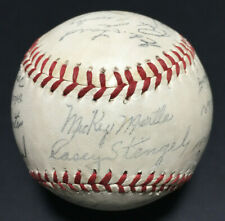 1960 NY Yankees Facsimile Signed Souvenir Baseball Mickey Mantle Roger Maris