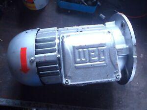 Elektro Motor  Lenze  WEG  1,1-   1,3 KW   Flanschmotor