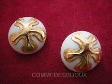 """Boucles d'oreille """"Anémone Etoile"""" résine Blanc 60's - Bijoux pur Vintage"""