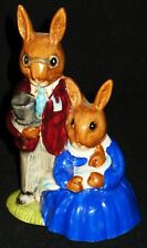 "Vintage Royal Doulton Bunnykins Figurine ""Family Photograph"" Db 1 1972 4 1/2""H"