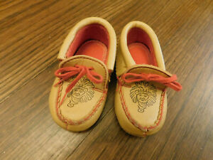 "Toddler Moccasins 1960s Vtg Indian Chief House 5"" Slippers Costume Booties 5"""