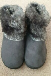 ISOTONER SIZE 9.5-10 FAUX FUR ANKLE BOOT SLIPPERS