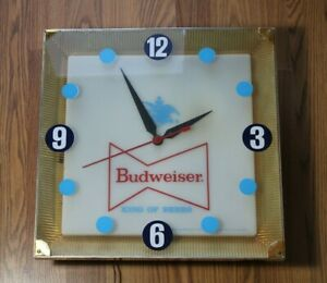 Vintage Budweiser King Of Beers Advertising Electric Wall Lighted Clock Sign