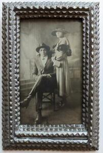 VINTAGE PHOTOGRAPH w TRAMP ART FRAME STYLISH YOUNG BLACK AFRICAN AMERICAN COUPLE