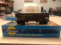 Athearn 34' Hopper - CS Union Pacific HO Kit Assembled