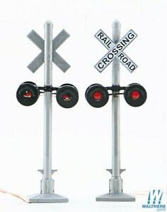 Walthers HO Scale 933-4333 Crossing Signals 2 Pack W/ LED'S