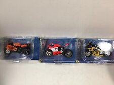 Lot Of (3) Maisto 1/18 Motorcycles Bugatti 1199 Suzuki R GSX Yamaha TLF