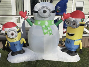 Despicable Me Minion Gemmy Airblown Inflatable Christmas Airblown Snowman  7ft