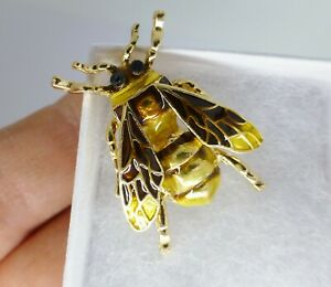 VINTAGE STYLE REALISTIC YELLOW BROWN  CLOISONNE ENAMEL BEE  BROOCH IN GIFT BOX