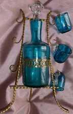 Cabaret à liqueur en laiton fin XIXème + flacon + 3 verres bleu & transparent