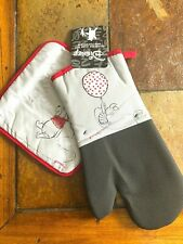 New listing Nwt! Disney Winnie The Pooh Piglet Pot Holder And Oven Mitt Oversized Set Of 2