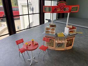 Vintage Barbie Pizza Hut Restaurant Playset Mattel 2001 RARE MINT Condition!!