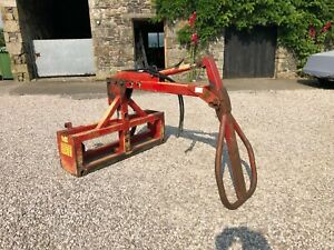 #B1304 Foster over the top bale handler / grab / squeeze. Delivery available.