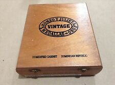Romeo Y Julieta Medallas De Oro Empty Wood Cigar Box