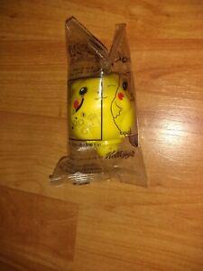 NIP Pikachu Battle Top Kellogg's 2000 Pokemon 2 Inches Tall