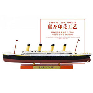 1:1250  R.M.S TITANIC Cruise Ship Model Atlas  Diecast Boat Toys Collectiable