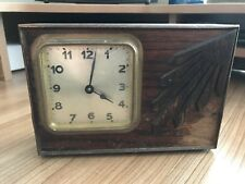 Vintage Wind Up De Madera Mantel Clock (parece funcionar)