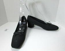 Women's Life Stride Black Fabric Upper Low Heel Shoes W/Bow Size 8.5 N