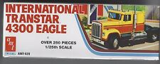 AMT629 International Transtar 4300 Eagle conventional with bunk. 1/25th scale.